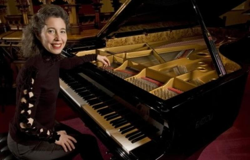 MUSIC IN THE ROUND: JS BACH - ANGELA HEWITT * SOLD OUT *